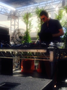 Tycho could not have been better with his Sunday DJ set