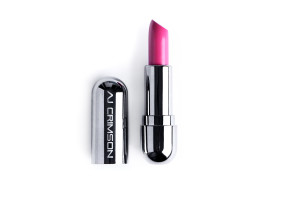 aj-crimson-lipstick-skyelyfe